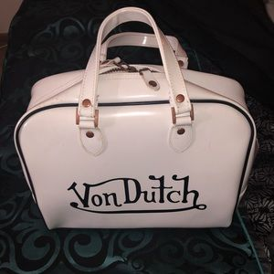 Von Dutch white and black bowling bag